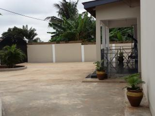 Nice Bungalow with Internet Access and Grill - Accra vacation rentals