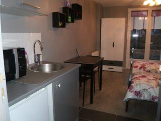 Nice Aulnay-sous-Bois Studio rental with Television - Aulnay-sous-Bois vacation rentals