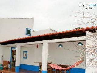 Camphor White Villa - Charneca da Caparica vacation rentals
