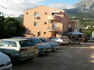 Nice 12 bedroom Dobra Voda Guest house with Internet Access - Dobra Voda vacation rentals