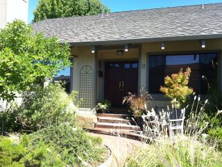 17 Via La Brisa, Larkspur, CA - San Francisco Bay Area vacation rentals