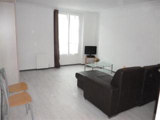 APARTMENT FOR UP TO 10 GUESTS, CENTRE OF PARIS - Paris vacation rentals