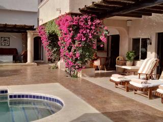 ****BEACH 5 min walk, 3bdrm Golf Villa Casa Shona - San Jose Del Cabo vacation rentals