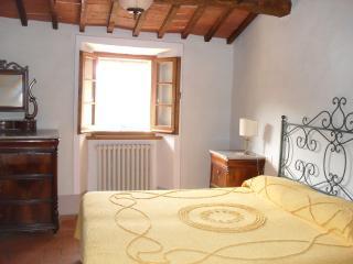 Tuscan style apartment - Cetona vacation rentals