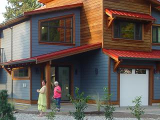 Brand new Vacation Apartment near Harrison Lake - Harrison Hot Springs vacation rentals