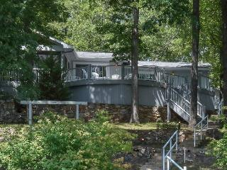 Waterfall Cove - A True Lake Dream Home - Ranch Style - 11.5 MM Osage Arm - Davey Hollow Cove. - Gravois Mills vacation rentals