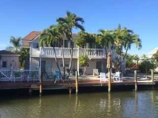 Widgeon Cottage. Heated pool/spa. Amazing resort! - Fort Myers Beach vacation rentals