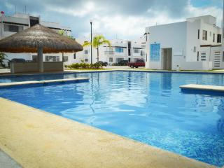 Apartment front pool with WIFI ACACIA 1 - Playa del Carmen vacation rentals