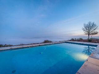 "Paso Robles ""Top of the World"" Pool with Views and High-End Privacy - Paso Robles vacation rentals"