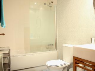 Old town 2 apartment, 6 minutes from Ramblas - Barcelona vacation rentals