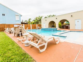 Large pool/spa-Heated in winter! Winter 2016 open! - South Padre Island vacation rentals