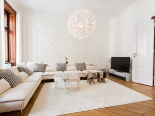 Exclusive Residence by the City Centre 2 Bedrooms - Vienna vacation rentals