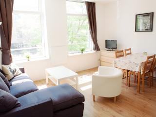 Just Stay - Central Apartment West Kruiskade1 - Rotterdam vacation rentals