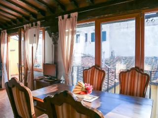 Romantic rooftop apartment - Florence vacation rentals