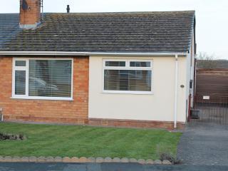 Ty Hapus, St Davids Road, Abergele, Conwy, LL22 7T - Abergele vacation rentals