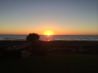 Renovated! Beachfront with Great Views, extras!!! - Fernandina Beach vacation rentals