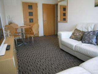 Modern town centre / beachside apartment - Bournemouth vacation rentals
