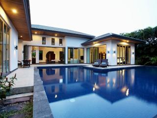 Family Villa walking distance from Bangtao Beach - Cherngtalay vacation rentals