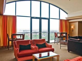 Cozy Bedroom in Heart of North Arlington - Arlington vacation rentals