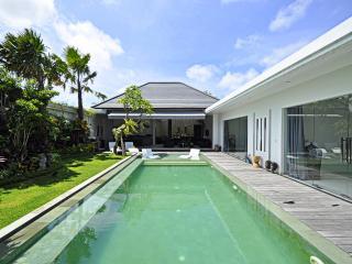 Stunning Villa 3bd in central Seminyak - Seminyak vacation rentals