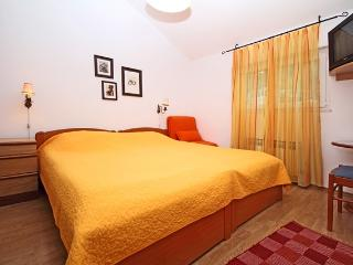 Lion apartments-Main house-ap.no.3 (for 2 persons) - Zaton vacation rentals