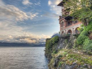 A CORNER OF PARADISE APARTMENT LAKEFRONT - Lake Como vacation rentals