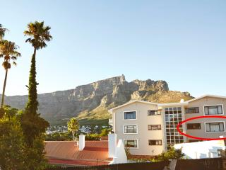 Characterfull, cosy, romantic 1BD - Sea Point vacation rentals