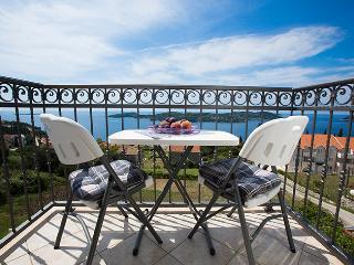 Romantic Orasac vacation Apartment with A/C - Orasac vacation rentals