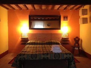 1 bedroom Bed and Breakfast with Internet Access in Ciliegi - Ciliegi vacation rentals