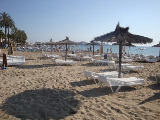 Nice 2 bedroom Apartment in Playa d'en Bossa - Playa d'en Bossa vacation rentals