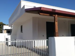 VILLETTA A MANCAVERSA VICINO A GALLIPOLI - Marina di Mancaversa vacation rentals
