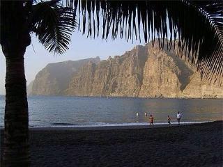 Apartment near the beach - Acantilado de los Gigantes vacation rentals