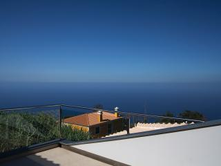 Prime Villa - Modern and Luxurious - Madeira vacation rentals