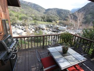 River House at Buckeye Tree Lodge - Sequoia and Kings Canyon National Park vacation rentals
