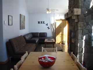 MoonShadow Retreat - Harvest Moon - Gracefield vacation rentals