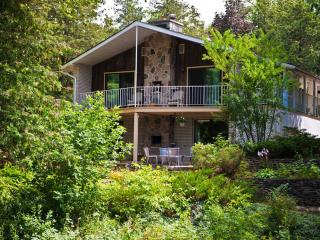4 Acres WALK OUT minutes to Downtown Waterfront! - Barrie vacation rentals