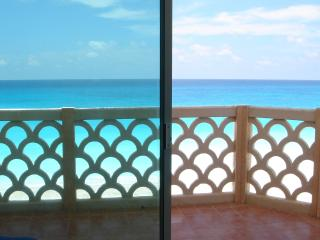 Spring Special BEACH FRONT Cancun corner unit - Cancun vacation rentals