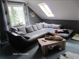 Vacation Apartment in Wernrode - 1066 sqft, quiet, central, natural (# 5319) - Thuringia vacation rentals