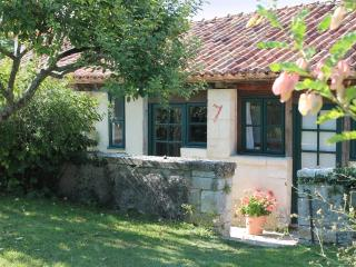 Charming Cottage with Internet Access and Tennis Court - Pillac vacation rentals
