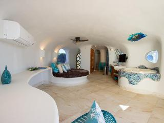 Turtle Studio Retreat - Swan Villas - Placencia vacation rentals