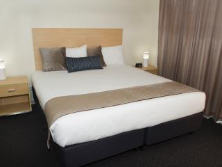 Studio Best Western Plus Ascot Apartments - Ascot vacation rentals