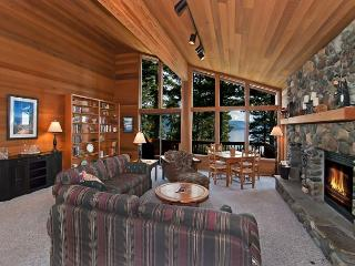 Amazing LAKE VISTA Home in Dollar Point - 4 BR and 3 Living Rooms - Sleeps 11 - Dollar Point vacation rentals