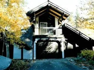 SV Hideaway - 3 BR Townhome with Pool Table and HOA Pool, Tennis, and Hot Tub - Olympic Valley vacation rentals
