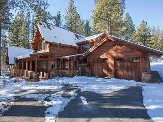 Gorgeous Brand New Luxury 4 BR Home in Grays' Crossing with Hot Tub & HOA!! - Truckee vacation rentals
