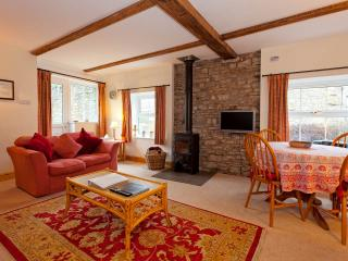 2 bedroom Cottage with Internet Access in Askrigg - Askrigg vacation rentals