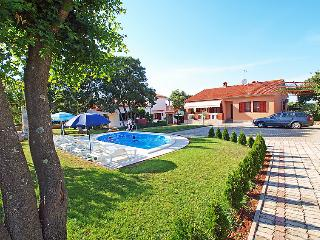6 bedroom Villa in Pula Duga uvala, Istria, Croatia : ref 2298691 - Pavicini vacation rentals