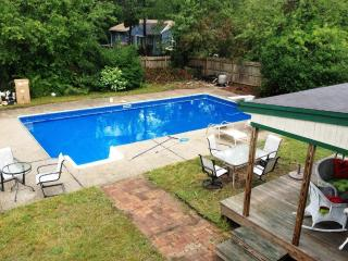 5 bedrooms, Sleeps 10, Heated Pool, AC, Outdoor Shower, Pet-friendly, Large Yard - Falmouth vacation rentals