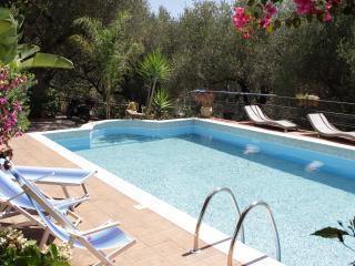 Camerota -Villetta con Piscina - Marina di Camerota vacation rentals