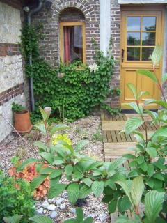 Nice Gite with Internet Access and Dishwasher - Saint Saens vacation rentals