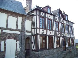 B&B Maison Dr Vassaux- room Belle Ile - Saint Saens vacation rentals